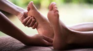 se faire masser les pieds